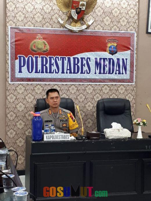 Kapolrestabes Medan dan Kapolsek Jajaran Vidcon dengan Kapolri