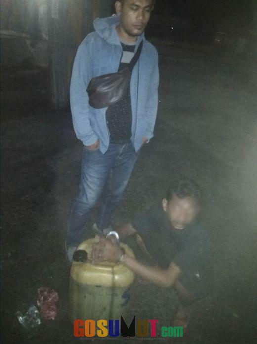 Ketahuan Satpam, Pelaku Pencuri BBM Solar Diboyong ke Polsek Firdaus