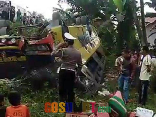 Bus Pinem Terguling, 4 Penumpang Tewas Terjepit