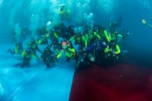Pecahkan Rekor Dunia; WASI Kibarkan Merah Putih di Dasar Laut