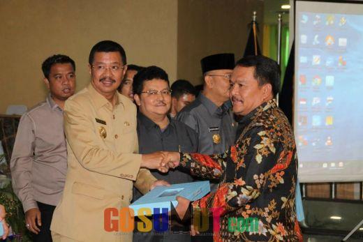 Bupati Labuhanbatu Terima DIPA Dari Gubernur Sumatera Utara
