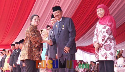 Tengku Erry Terima Anugerah Satyalancana Kebaktian Sosial
