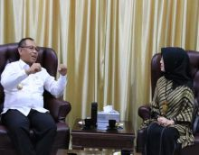 Akhyar Ajak Universitas Harapan Bantu Pelaku UKM Pasarkan Produk