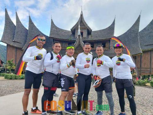 Dandim Letkol Santoso Taklukkan Bukit Barisan Gowes Ranah Minang Tour De Singkarak