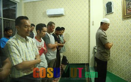 Kapolrestabes Medan Buka Puasa di Warkop Jurnalis