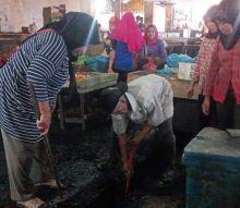 Berikan Kenyamanan, Disperindag Tingkatkan Kebersihan dan Ketertiba Pasar Gelugur