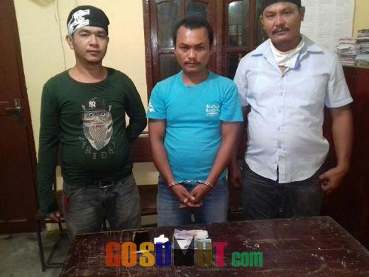 Penjual Tuak Ini Diborgol Polisi 6294210d57