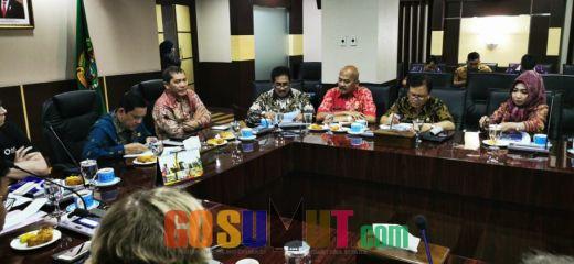 Bupati Karo Desak Pemprovsu Gunakan Dana Rp. 3.5 T Pembangunan Jalan Sejajar